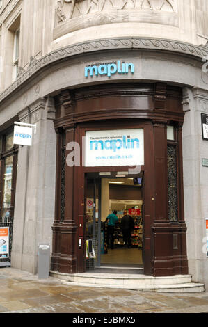 Maplin store in London - Stock Photo