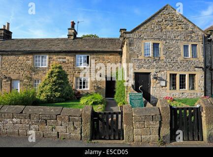 Plague Cottages in Eyam plague village, Derbyshire, Peak District National Park, England, UK. - Stock Photo