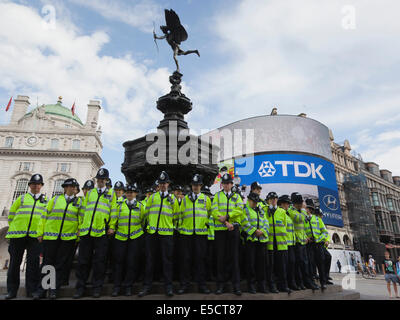 London, UK. 28 July 2014. A 100-strong police team in Piccadilly Circus. Launch of the new 100-strong police officer - Stock Photo