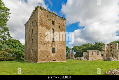SPYNIE PALACE NEAR ELGIN MORAY THE MASSIVE DAVIDS TOWER ONE OF THE LARGEST TOWER HOUSES IN SCOTLAND - Stock Photo