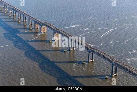 Dundee Tay Rail Bridge crossing over the River Tay, Dundee, Scotland, United Kingdom - Stock Photo