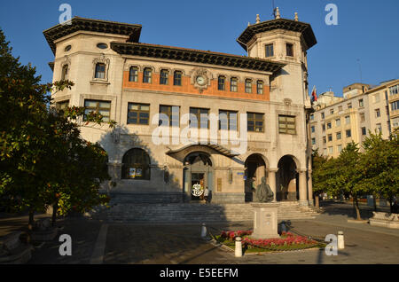The main post office building in Santander (built in 1915). - Stock Photo