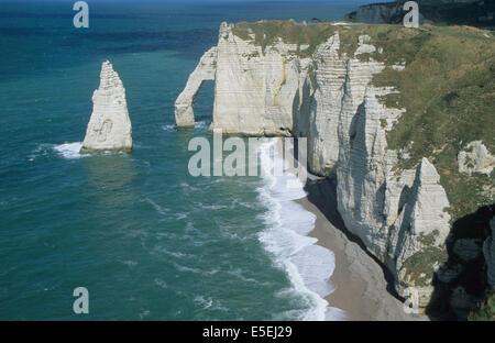 France, Normandie, seine maritime, etretat, falaises, falaise d'aval, arche, aiguille, - Stock Photo