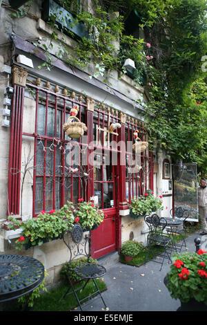 France, paris 4e, ile de la cite, rue chanoinesse, paris medieval, restaurant, - Stock Photo