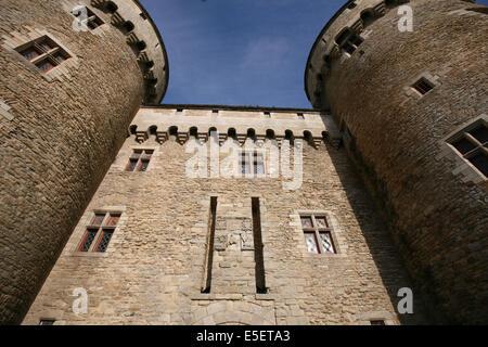 France, Bretagne, Morbihan, golfe du Morbihan, presqu'ile de rhuys, sarzeau, chateau de suscinio, tours, entree, - Stock Photo