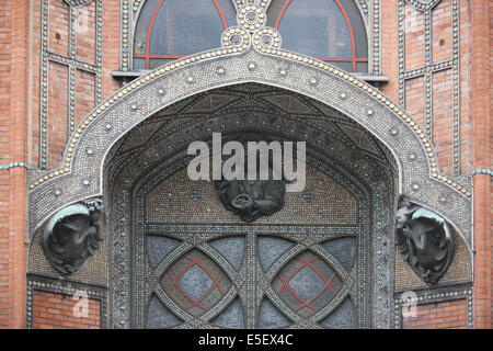 France, paris 18e, eglise saint jean de montmartre, 21 rue des abbesses, architecte anatole de baudot, edifice religieux, - Stock Photo