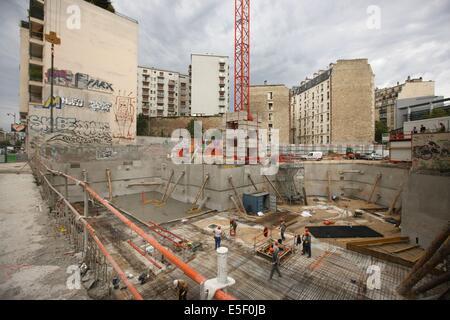 France, Ile de France, paris 15e arrondissement, 39 rue fremicourt, ancienne parcelle vide, construction d'un immeuble, - Stock Photo
