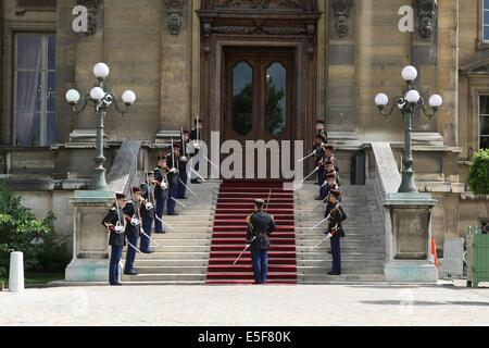 France, ile de france, paris, 7e arrondissement, quai d'orsay, ministere des affaires etrangeres, garde republicaine. - Stock Photo