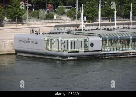 Piscine Josephine Baker Floating Swimming Pool In The Seine Paris