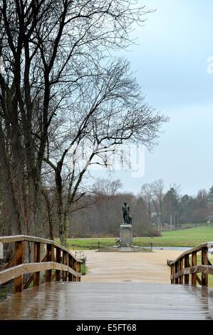 Old North Bridge and the Minute Man statue, Concord, Massachusetts. - Stock Photo