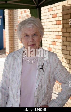 Purley, London, UK. 31st July, 2014.  June Whitfield visits South East Cancer Centre in Purley. Credit:  Keith Larby/Alamy - Stock Photo