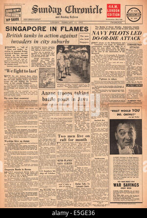1942 Sunday Chronicle front page reporting the fall of Singapore to the Japanese Army - Stock Photo