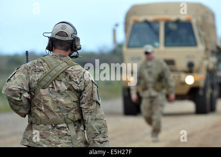 U.S. Soldiers assigned to Florida Army National Guard Special Forces conduct training for the 1600th Explosive Ordnance Company