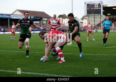 Gloucester, UK. 31st July, 2014.  Premiership Rugby 7s. Group B Bath Rugby versus London Irish. Credit:  Action - Stock Photo