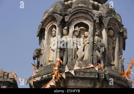 Figurines of deities moulded in stucco. Kashi Vishweshwar temple, Mahuli Sangam, Satara, Maharashtra, India - Stock Photo