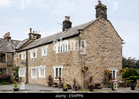 Typical old house with stone mullioned windows in Ribble Valley village of Whalley, Lancashire, England, UK, Britain - Stock Photo