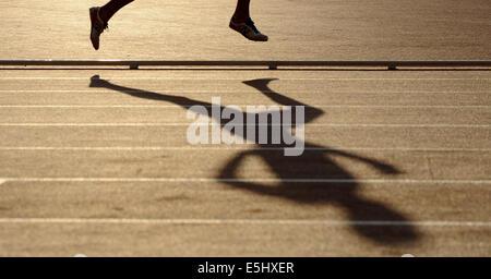 MEN'S 3000M STEEPLECHASE WOMAN'S HIGH JUMP HAMPDEN PARK GLASGOW SCOTLAND 01 August 2014 - Stock Photo