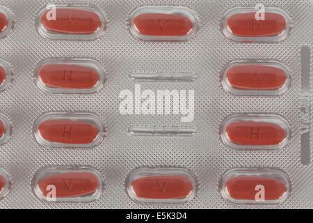tabletten medikamente rot pillen medikament pille tablette apotheke gesundheit medizin medizinisch pharma pharmazie - Stock Photo