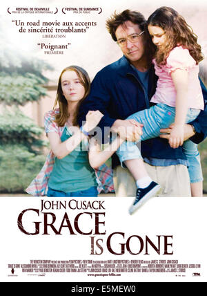 GRACE IS GONE, from left: Shelan O'Keefe, John Cusack, Gracie Bednarczyk, 2007. ©Weinstein Company/courtesy Everett - Stock Photo