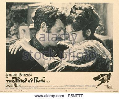THE THIEF OF PARIS, (aka LE VOLEUR), US lobbycard, from left: Jean-Paul Belmondo, Genevieve Bujold, 1967 - Stock Photo