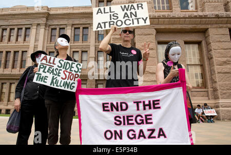 Rally at Texas Capitol protesting Israel's siege of Gaza and the U.S support and funding of Israel. - Stock Photo