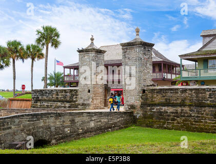 The old City Gate leading to St George Street in downtown St Augustine, Florida, USA - Stock Photo