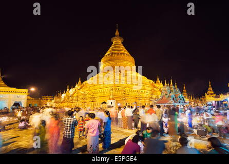 Festival of Light, Shwezigon Paya, Bagan (Pagan), Myanmar (Burma), Asia - Stock Photo