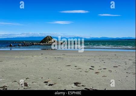 Taramea Bay in Riverton along the road from Invercargill to Te Anau, South Island, New Zealand, Pacific - Stock Photo