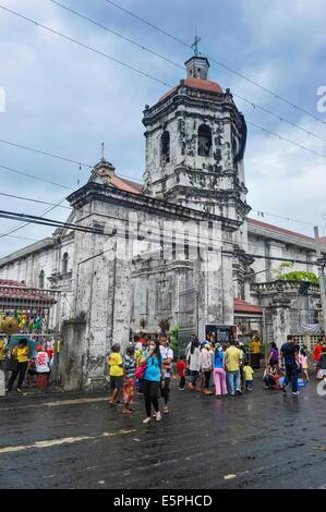 Easter Procession in the Basilica de Minore del Santo Nino, Cebu City, Cebu, Philippines, Southeast Asia, Asia - Stock Photo
