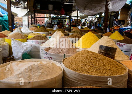 Spice market in the Old Town, UNESCO World Heritage Site, Sanaa, Yemen, Middle East - Stock Photo