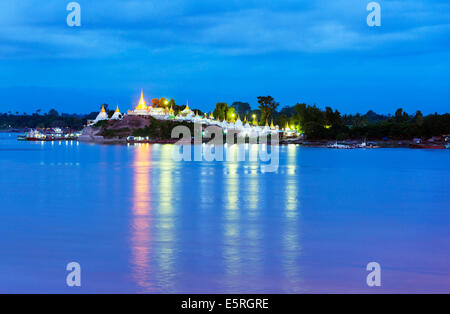 South East Asia, Myanmar, Mandalay, Shwe Kyet Yet temple on the Ayeyarwady (Irrawaddy) river - Stock Photo