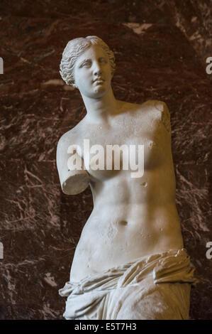 Venus de Milo statue in the Louvre Museum, Paris, France - Stock Photo