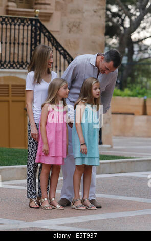 Palma De Mallorca, Spain. 5th Aug, 2014. Spain's royals, King Felipe, Queen Letizia and Princesses Leonor and Sofia - Stock Photo