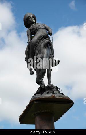 A bronze statue of Buffalo Bill in the Dennistoun are in teh East of Glasgow Scotland. - Stock Photo