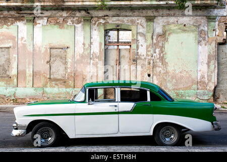 Vintage American car parked on a street in Havana Centro, Havana, Cuba, West Indies, Caribbean, Central America - Stock Photo