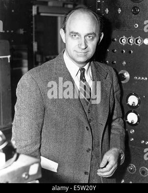 ENRICO FERMI (1901-1954) Italian physicist about 1943. Photo US National Archives - Stock Photo