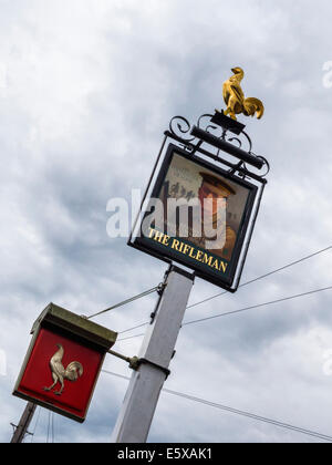The Rifleman Pub - Pub sign has picture of Frank Edwards, WW1 hero, who played football into enemy territory in - Stock Photo
