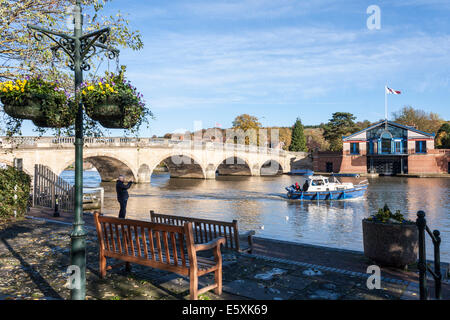 Bridge over the river Thames, Henley-on-Thames, Oxfordshire, England, GB, UK. - Stock Photo