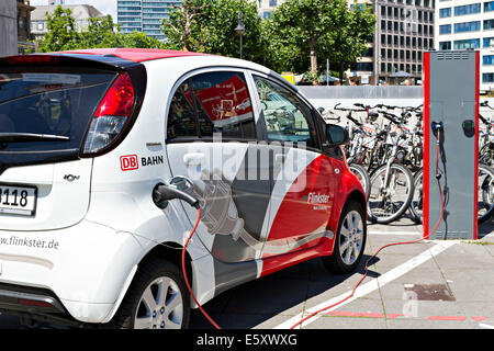flinkster db carsharing electric car being recharged on street in stock photo 38124548 alamy. Black Bedroom Furniture Sets. Home Design Ideas