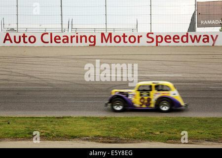Motor racing at the Auto Clearing Motor Speedway racing circuit in Saskatoon, Saskatchewan, Canada. - Stock Photo