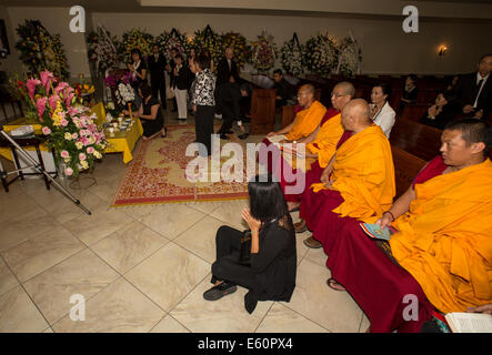 Tibetan monks, family members, mourners, Vietnamese funeral, memorial service, Little Saigon, city of Westminster, - Stock Photo