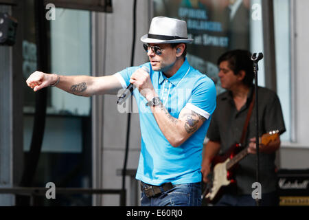 NEW YORK-AUG 8: Recording artist Robin Wilson of the Gin Blossoms performs at Fox and Friends' All-American Summer - Stock Photo