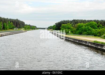 The Vantage Travel 'River Splendor' river boat on the Main-Danube Canal in Germany - Stock Photo