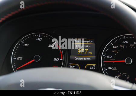Dials and instrument panel of a SEAT Leon car - Stock Photo