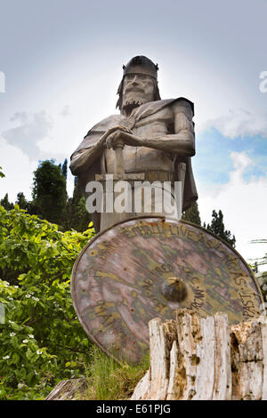 UK England, Dorset, Shaftesbury, Abbey site Andrew DuMont's, King Alfred sculpture - Stock Photo