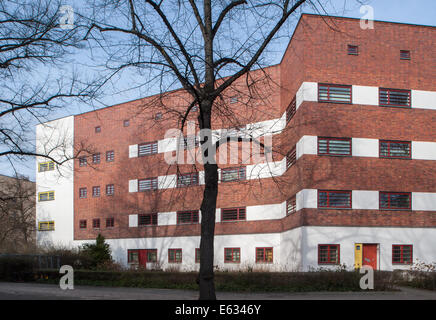 Bauhaus Pankow berlin germany residential complex on esch ditch in bauhaus style