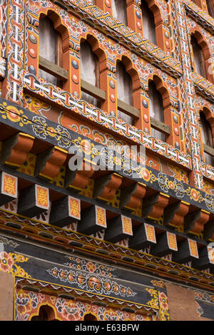 Eastern Bhutan, Lhuentse, Rinchentse Phodrang Dzong window structure decorated in traditional style - Stock Photo