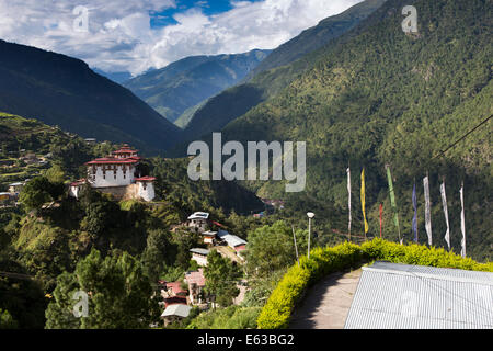 Eastern Bhutan, Lhuentse, Rinchentse Phodrang Dzong and village high above Kuri Chuu Valley - Stock Photo