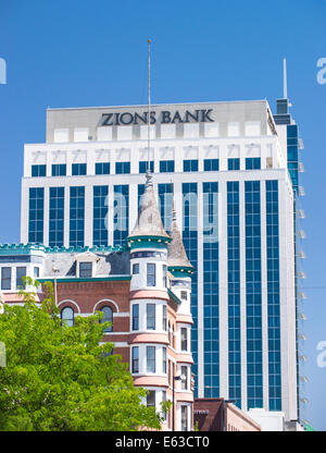 Downtown Boise Skyline, Idanha Hotel built in 1901 is dwarfed by the new Zion Bank Building, Boise, Idaho - Stock Photo