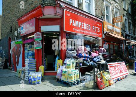 Pampered Pets pet shop, Holloway Road, London Borough of Islington England Britain UK - Stock Photo